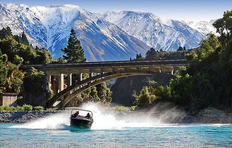 Jet boating in the Rakaia River
